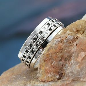 ARTISAN HANDCRAFTED SPINNER RING